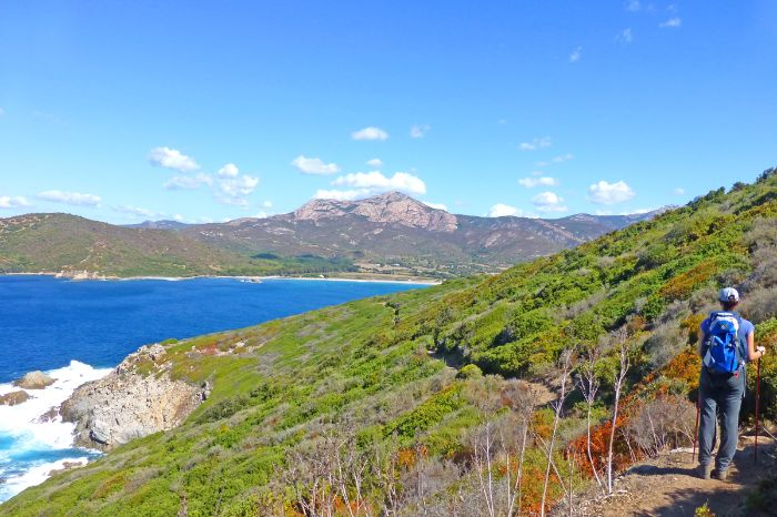 Beautiful hiking trails along the coasts of corsica - Topiti