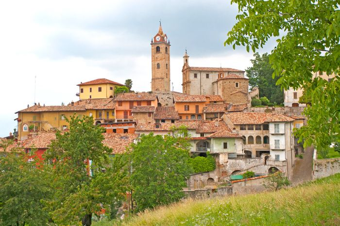 Charming pictorial village Monforte