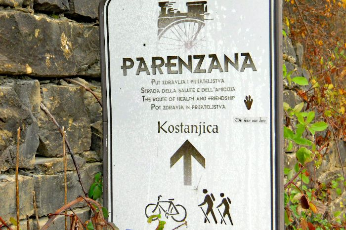 Sign markings on the hiking tour in Istria