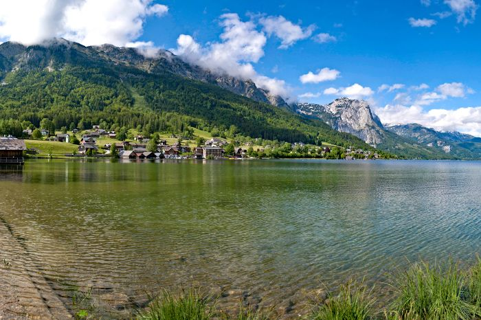 Blue mountain lakes in beautiful Lake Aussee