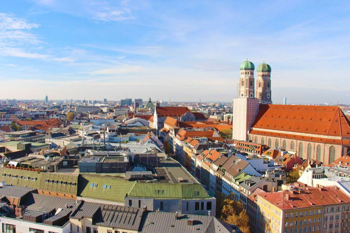 Over the rooftops of Munich with a view of the church Frauenkirche