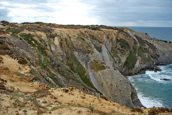 Unique walking paths along the steep coast of Alentejo
