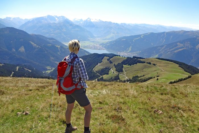 Alpine pastures hike with views of the Hohe Tauern