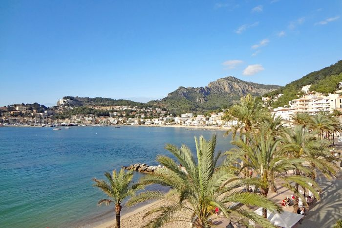 Walking along the promenade of Soller