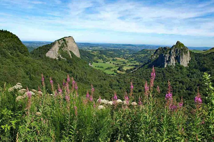 Panoramic walking in the Auvergne