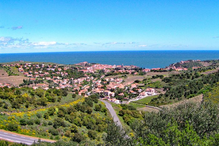 Fantastic hiking view to the start village Collioure