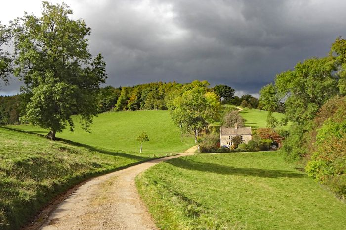 Romantic hiking trails in Great Britain