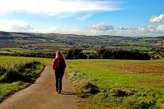 Beautiful hiking paths in Cotswolds