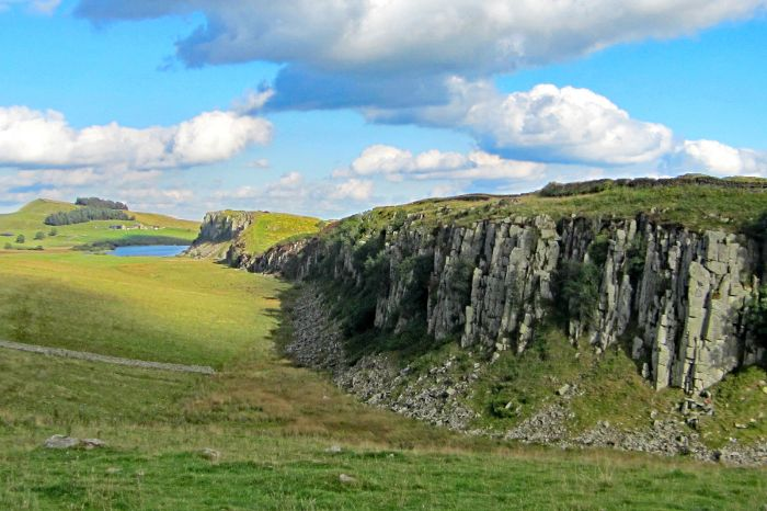 Impressive landscape by hiking on the Hadrians Wall