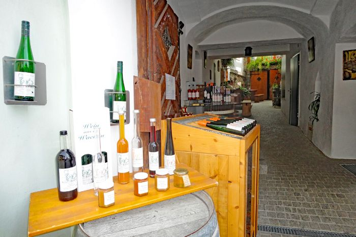 Specialities of vine at the hiking tour on the world heritage trail Wachau